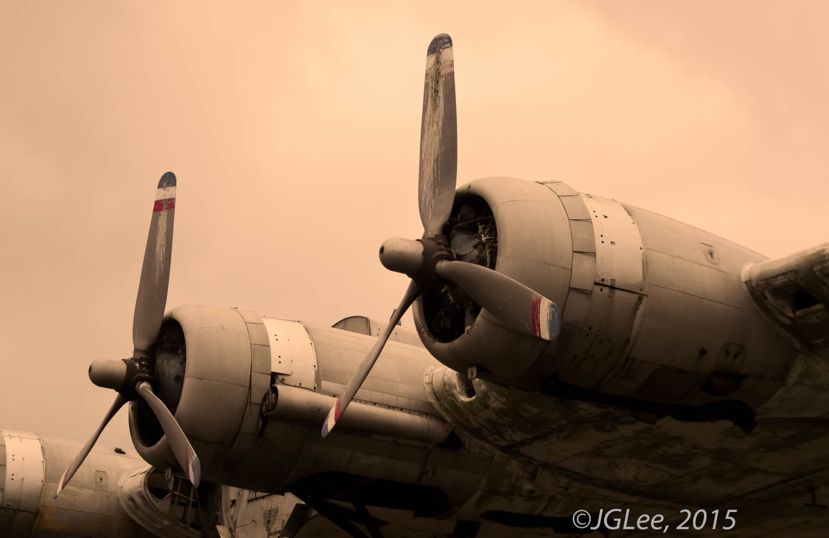B17 red, white and blue propellers